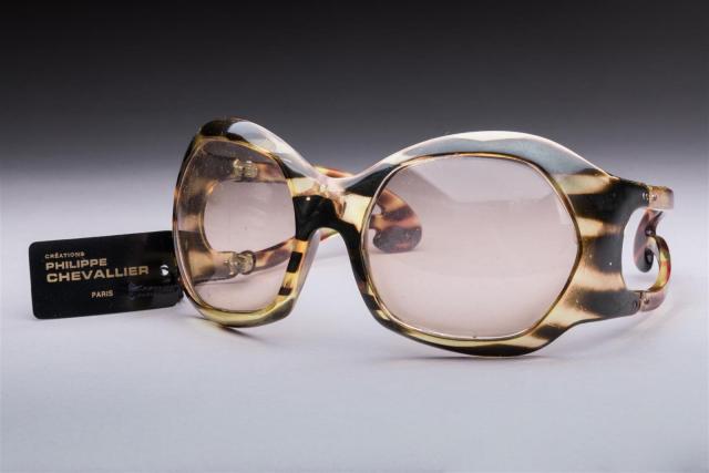 0bab9cc8d8 Philippe CHEVALLIER circa 1970 Paire de lunettes de soleil masque